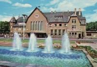 Bahnhof mit Brunnen
